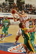 DESCRIZIONE : ROMA CAMPIONATO LEGA A1 2004-2005<br />GIOCATORE : RIGHETTI<br />SQUADRA : LOTTOMATICA VIRTUS ROMA<br />EVENTO : CAMPIONATO LEGA A1 2004-2005<br />GARA : LOTTOMATICA ROMA-SICC JESI<br />DATA : 31/10/2004<br />CATEGORIA : Tiro<br />SPORT : Pallacanestro<br />AUTORE : Agenzia Ciamillo-Castoria