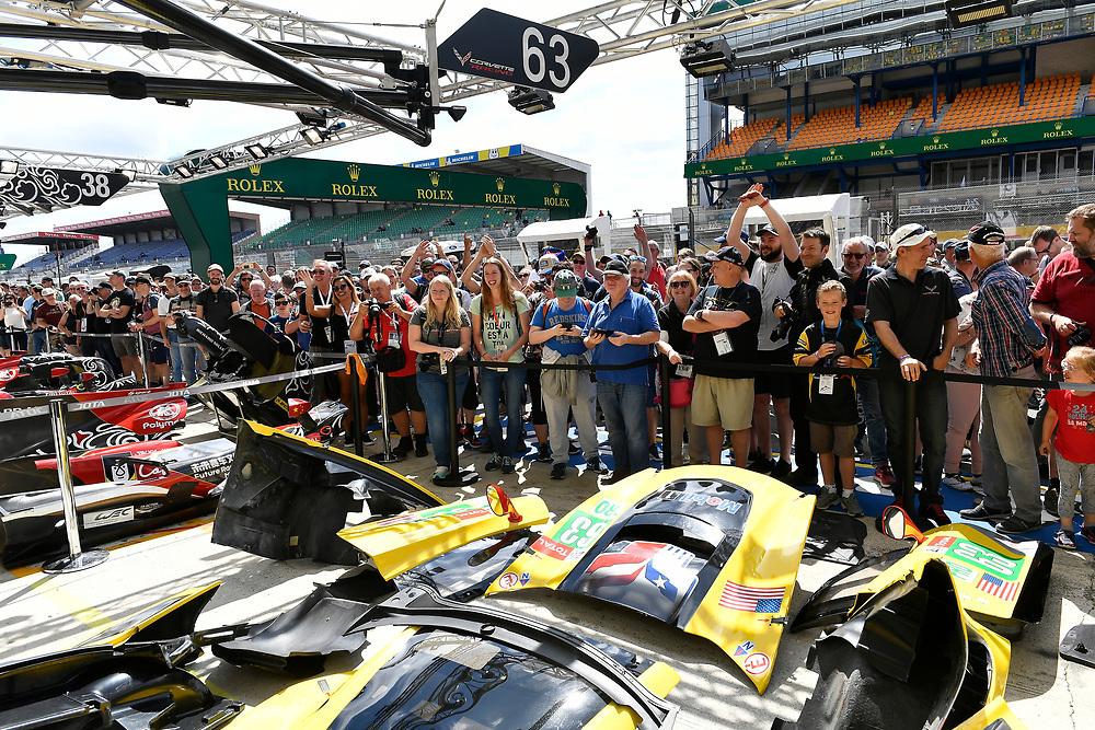 #63 Corvette Racing Chevrolet Corvette C7.R: Jan Magnussen, Antonio Garcia, Mike Rockenfeller, fans, atmosphere, big horn<br /> Friday 15 June 2018<br /> 24 Hours of Le Mans<br /> 2018 24 Hours of Le Mans<br /> Circuit de la Sarthe WI FR<br /> World Copyright: Scott R LePage