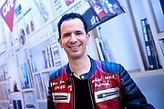 Start uitzending NPO Radio 2 Top 2000 in Beeld en Geluid <br /> <br /> Op de foto:  De aftrap met DJ Bart Arens