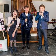 NLD/Amsterdam/20170201 -  Lancering All You Need Is Love Magazine, Robert ten Brink en partner Roos Cialona en hoofdredacteur Robert Heukels