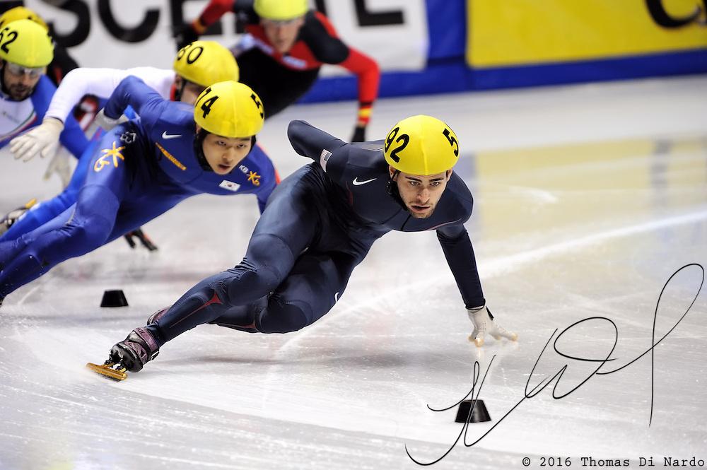 2008 World Cup Short Track - Vancouver - Jeff Simon (USA)  leads 1000m Men's Semi-Final 2.