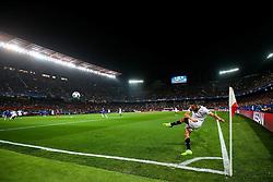 Pablo Sarabia of Sevilla takes a corner - Rogan Thomson/JMP - 22/02/2017 - FOOTBALL - Estadio Ramon Sanchez Pizjuan - Seville, Spain - Sevilla FC v Leicester City - UEFA Champions League Round of 16, 1st Leg.
