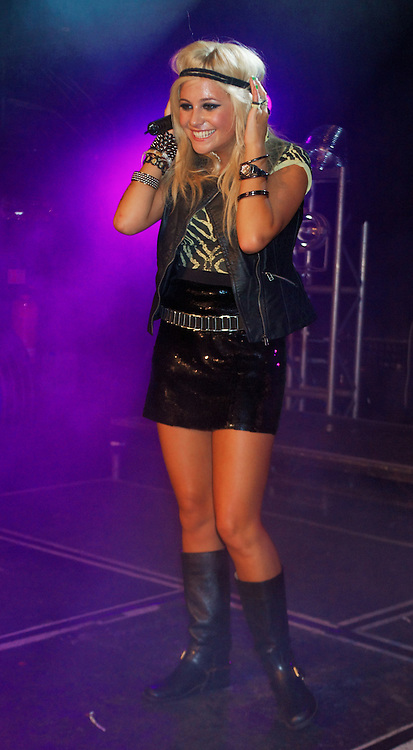 London, United Kingdom - 6 September 2009.Singer Pixie Lott performing at G-A-Y club, London, England, UK on 6 September 2009..(photo by: EDWARD HIRST/EQUINOXFEATURES.COM).Picture Data:.Photographer: EDWARD HIRST.Copyright: ©2009 Equinox Licensing Ltd. +448700 780000.Contact: Equinox Features.Date Taken: 20090906.Time Taken: 015913+0000.www.newspics.com