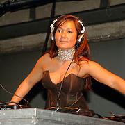 NLD/Amsterdam/20060402 - Modeshow Chick on a Mission Winter 2006, DJ La-Ona