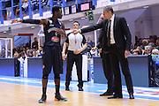 DESCRIZIONE : Brindisi  Lega A 2015-16 Enel Brindisi Pasta Reggia Juve Caserta<br /> GIOCATORE : Sandro Dell'Agnello Dario Hunt<br /> CATEGORIA : Allenatore Coach Fair Play Mani<br /> SQUADRA : Pasta Reggia Juve Caserta<br /> EVENTO : Enel Brindisi Pasta Reggia Juve Caserta<br /> GARA :Enel Brindisi  Pasta Reggia Juve Caserta<br /> DATA : 24/04/2016<br /> SPORT : Pallacanestro<br /> AUTORE : Agenzia Ciamillo-Castoria/M.Longo<br /> Galleria : Lega Basket A 2015-2016<br /> Fotonotizia : <br /> Predefinita :