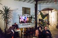 PALERMO, 10 MARZO 2017: Dei ragazzi passano una serata al Caffè Internazionale in via S. Basilio a Palermo, il 10 marzo 2017.