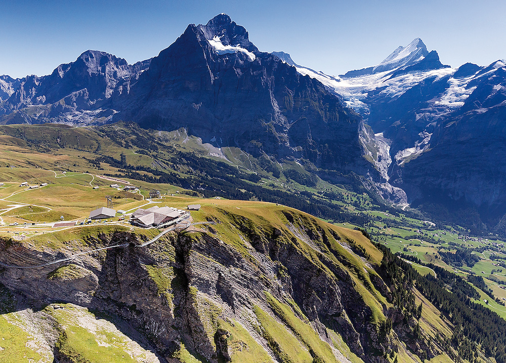 Postkarte A6: Grindelwald First, Wellhorn, Wetterhorn und Schreckhorn (8210)