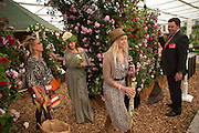 COZMO JENCKS; CLAUDIA LEIGH; JO WOOD, Press and VIP viewing day. Chelsea Flower show, Royal Hospital Grounds. Chelsea. London. 18 May 2009