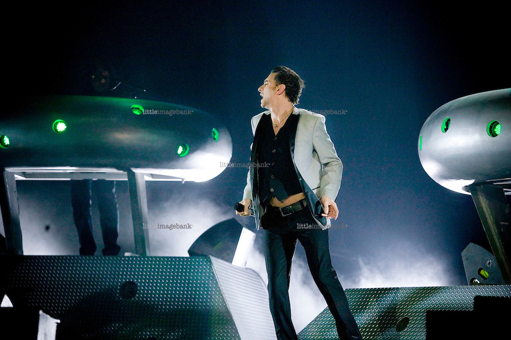"""Depeche Mode during a concert in Milan, Italy as a part of their """"Touring the Angel"""" tour. 18.02.06. Photo: Christopher Olssøn."""