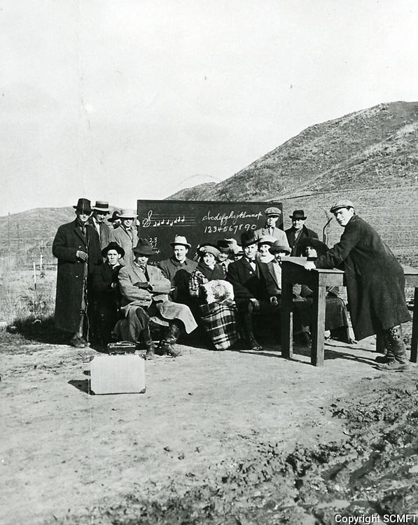 1915 Early travelers in the Cahuenga Pass