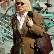 Linda de Mol bevallen van zoon Julian, Mireille Bekooy