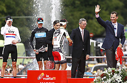 11.09.2011, Madrid,  ESP, LA VUELTA 2011, Finish, im Bild Juan Jose Cobo (b) gives his winner's jersey to Felipe de Borbon, Prince of Asturias (r), in presence of (L to R) Bradley Wiggins, Christopher Froome, Albert Soler, Minister of Sports and Alberto Ruiz Gallardon, Mayor of Madrid.September 11,2011. EXPA Pictures © 2011, PhotoCredit: EXPA/ Alterphoto/ Paola Otero +++++ ATTENTION - OUT OF SPAIN/(ESP) +++++