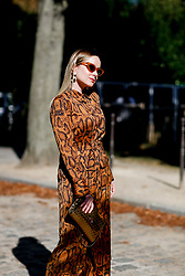 Street style, arriving at Manish Arora spring summer 2019 ready-to-wear show, held at Pavillon Ledoyen, in Paris, France, on September 27th, 2018. Photo by Marie-Paola Bertrand-Hillion/ABACAPRESS.COM