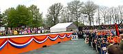 Koninginnedag 2008 / Queensday 2008. <br /> <br /> Koningin Beatrix viert Koninginnedag dit jaar in Friesland. De vorstin en haar familie bezochten op 30 april Makkum en Franeker.<br /> <br /> Queen Beatrix celebrates Queensday this year in Friesland (the Nothren provice in Holland). The Queen and its family visited Makkum and Franeker on 30 April.<br /> <br /> Op de foto/ On the Photo: The Dutch Fado Singer Nynke Laverman plays for the Queen / De Nederlandse Fado zangeres Nynke Laverman speelt voor de koningin.