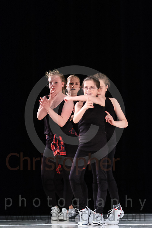 ART: 2015   Colours of Passion: We've Got The Power   Wednesday Rehearsal --<br /> <br /> Single Ladies Power<br /> <br /> choreography: Jemelle Suyat Navat<br /> 11-20 Jahre<br /> <br /> Students and Instructors of Atelier Rainbow Tanzkunst (http://www.art-kunst.ch/) rehearse on the stage of the Schinzenhof for a series of performances in June, 2015.<br /> <br /> Schinzenhof, Alte Landstrasse 24 8810 Horgen Switzerland