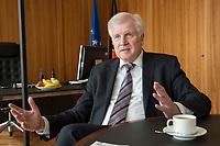 20 JUN 2018, BERLIN/GERMANY:<br /> Horst Seehofer, CSU, Bundesinnenminister, waehrend einem Interview, in seinem Buero, Bundesministerium des Inneren<br /> IMAGE: 20180620-02-009<br /> KEYWORDS: Büro