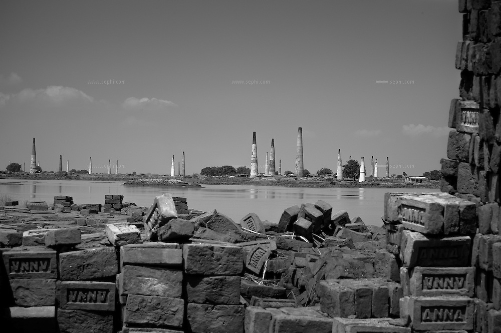Abandoned brick kilns at a flooded area near Patna, Bihar. Migrant families arive for work at the brick kilns in the dry season and leave as the rains starts.