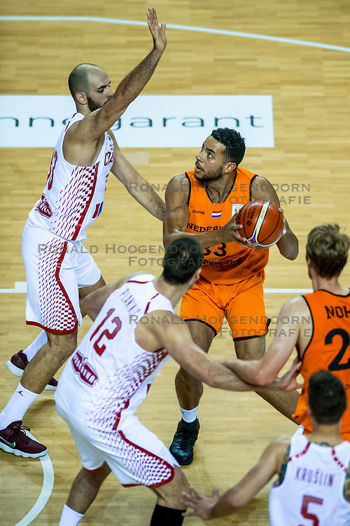 24-11-2017 NED: WC qualification Netherlands - Croatia, Almere<br /> First Round - Group D at the arena Topsportcentrum / Jito Kok #33 of Netherlands