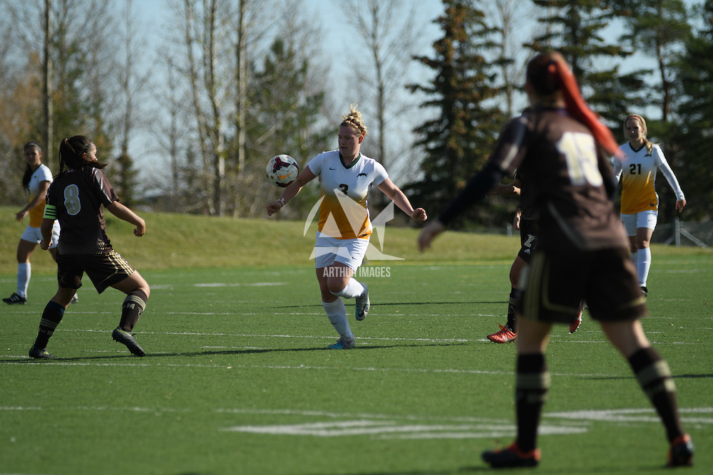 5th year defender Kayla McDonald (3) of the Regina Cougars in action during the Women's Soccer Home Game on October 15 at U of R Field. Credit: Arthur Ward/Arthur Images