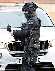 © Licensed to London News Pictures. 18/01/2019. London, UK. An armed police officer at the scene  in Balham, south London where police are negotiating with a man who is inside the house with a knife. Photo credit: Peter Macdiarmid/LNP