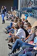 Nederland, Nijmegen, 5-3-2013Studenten en personeel van de medische faculteit van de Radboud universiteit, ru, umc radboud, genieten van de zon tijdens hun middagpauze. Het werd de warmste 5 maart ooit, 18 graden in Gilze Rijen. In de Bilt 15,9.Foto: Flip Franssen/Hollandse Hoogte