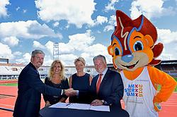 """06-07-2015 NED: Presentatie EK Atletiek """"One year to go"""", Amsterdam<br /> Kick off  EK Atletiek 2016 in het Olympische stadion Amsterdam. Over 1 jaar zal het EK Atletiek plaats vinden / Contract ondertekening Atletiekunie en Brooks"""