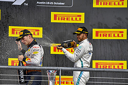 October 21, 2018 - Austin, United States - Motorsports: FIA Formula One World Championship; 2018; Grand Prix; United States, FORMULA 1 PIRELLI 2018 UNITED S GRAND PRIX , Circuit of The Americas#33 Max Verstappen (NDL, Red Bull Racing), #44 Lewis Hamilton (GBR, Mercedes AMG Petronas F1 Team) (Credit Image: © Hoch Zwei via ZUMA Wire)