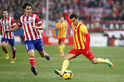 11.01.2014, Estadio Vicente Calderon, Madrid, ESP, Primera Division, Atletico Madrid vs FC Barcelona, 19. Runde, im Bild Atletico de Madrid´s Tiago (L) and Barcelona´s Pedro Rodriguez // Atletico de Madrid´s Tiago (L) and Barcelona´s Pedro Rodriguez during the Spanish Primera Division 19th round match between Club Atletico de Madrid and Barcelona FC at the Estadio Vicente Calderon in Madrid, Spain on 2014/01/11. EXPA Pictures © 2014, PhotoCredit: EXPA/ Alterphotos/ Victor Blanco<br /> <br /> *****ATTENTION - OUT of ESP, SUI*****