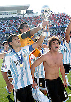WORLD CUP U20 CHAMPION CELEBRATION <br /> ARGENTINA its the new u20 Soccer football FIFA Champion, after beat in the final match the team in Toronto, Canada 22/07/07<br /> ARGENTINA (ARG) [2] Vs. CZECH Republic (CZE) [1] <br /> Here ARGENTINE  players with the U20 World Cup Trophy. <br /> With the trophy SERGIO AGUERO (L)- GK ROMERO Sergio -  and ACOSTA Lautaro<br /> © Gabriel Piko / PikoPress