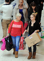 © Licensed to London News Pictures. 28/11/2014 <br />  Black Friday shoppers at Bluewater in Kent today (28.11.2014)<br /> (Byline:Grant Falvey/LNP)