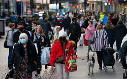 Glasgow, Scotland, UK. 19 November 2020. On the day before the highest level 4 lockdown is imposed on west and central Scotland, shops in Glasgow city centre and streets are busy with members of the public. Pictured; View of crowds on Argyle Street.  Iain Masterton/Alamy Live News