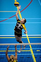 27-10-2012 VOLLEYBAL: SV DYNAMO - PRISMAWORX STRAVOC: APELDOORN<br /> Eerste divisie B vrouwen / Marcha Teuwen<br /> ©2012-FotoHoogendoorn.nl