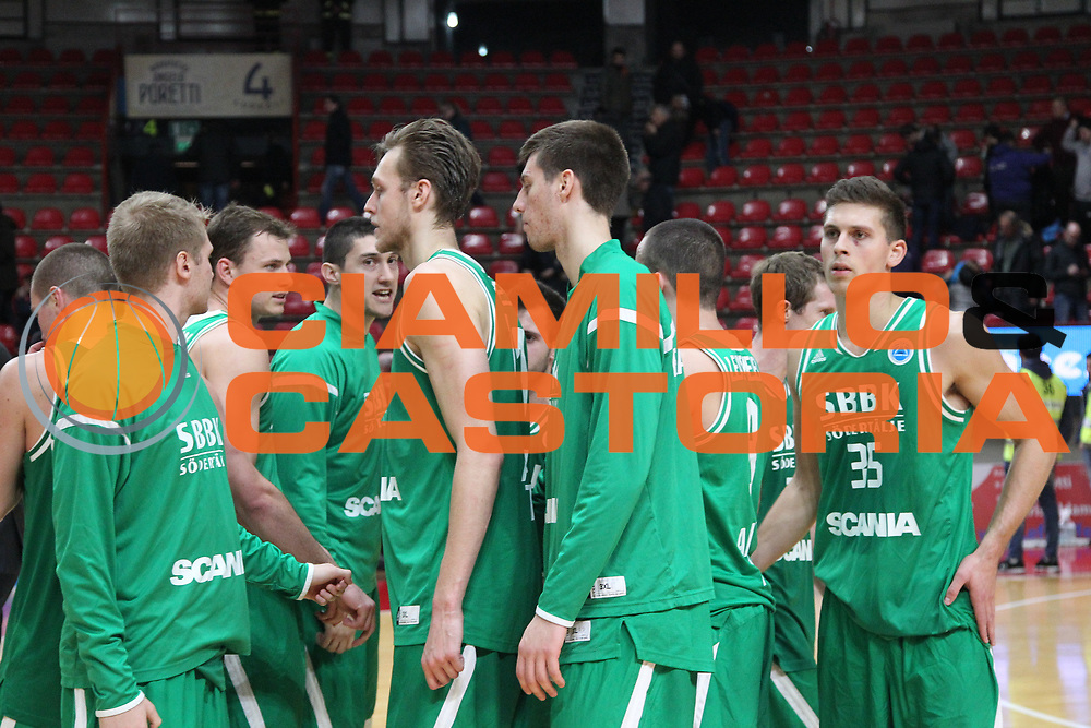 DESCRIZIONE: Varese FIBA Europe cup 2015-16 <br /> Openjobmetis Varese vs Sodertalje Kings<br /> GIOCATORE: Sodertalje Kings<br /> CATEGORIA: postgame<br /> SQUADRA: Sodertalje Kings<br /> EVENTO: FIBA Europe Cup 2015-2016<br /> GARA: EA7 Openjobmetis Varese Sodertalje Kings<br /> DATA: 22/12/2015<br /> SPORT: Pallacanestro<br /> AUTORE: Agenzia Ciamillo-Castoria/A. Ossola<br /> Galleria: FIBA Europe Cup 2015-2016<br /> Fotonotizia: Varese FIBA Europe Cup 2015-16 <br /> Openjobmetis Varese Sodertalje Kings