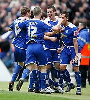 Photo: Steve Bond/Richard Lane Photography. <br />Leicester City v Scunthorpe United. Coca Cola Championship. 29/03/2008. Lee Hendrie (R) is congratulated