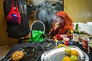 Foto: Gerrit de Heus. Emmen. 13-06-2015. Armand en The Kik op Retropop. Armand steekt nog een joint op voor het optreden.