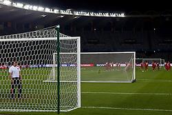 O técnico Celso Roth, do S. C. Internacional durante reconhecimento de campo no Zayed Sports City, em Abu Dhabi. O internacional diputa amanhã o terceiro lugar do FIFA Club World Cup 2010. FOTO: Jefferson Bernardes/Preview.com