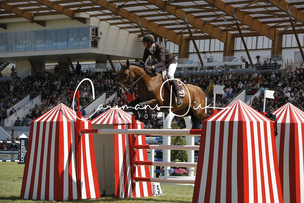 Staut Kevin (FRA) - Kraque Boom*Bois Margot<br /> Grand Prix Longines de la Ville de La Baule<br /> CSIO La Baule 2009<br /> Photo © Dirk Caremans