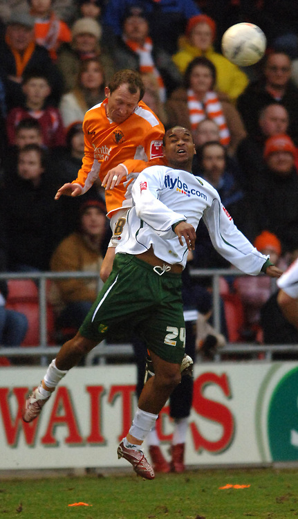 Photo: Paul Greenwood.<br />Blackpool v Norwich City. The FA Cup. Blackpool's Andy Morrell (left) and Jurgen Collin battle for the ball