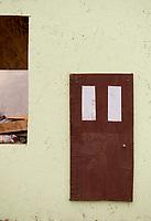 Robins in the Penthouse Suite.  ©Karen Bobotas Photographer
