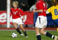 Fotball<br /> Landskamp J15/16 år<br /> Tidenes første landskamp for dette alderstrinnet<br /> Sverige v Norge 1-3<br /> Steungsund<br /> 11.10.2006<br /> Foto: Anders Hoven, Digitalsport<br /> <br /> Helene Breitve - Skjold / Norge