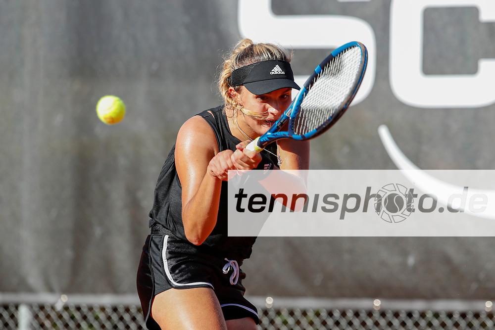Clara Burel (FRA) - WTO Wiesbaden Tennis Open - ITF World Tennis Tour 80K, 25.9.2021, Wiesbaden (T2 Sport Health Club), Deutschland, Photo: Mathias Schulz