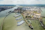 Nederland, Zuid-Holland, Rotterdam, 10-06-2015; Geulhaven met verkeerspost en radarpost. Havendienst en Loodsdienst. Ligplaatsen voor de binnenvaart. In de achtergrond Odfjell Terminals Rotterdam en de Botlek.<br /> Port authority and  radar station,<br /> berths for inland shipping. <br /> <br /> luchtfoto (toeslag op standard tarieven);<br /> aerial photo (additional fee required);<br /> copyright foto/photo Siebe Swart