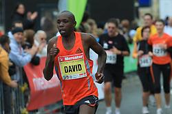 David Kosgei v cilju na 13. Ljubljanskem maratonu po ulicah Ljubljane, 26. oktobra 2008, Ljubljana, Slovenija. (Photo by Vid Ponikvar / Sportal Images)./ Sportida)
