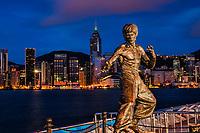 Bruce Lee Statue, Tsim Sha Tsui Promenade, Kowloon & HK Skyline