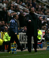 Photo: Andrew Unwin.<br /> Newcastle United v Charlton Athletic. The Barclays Premiership. 22/02/2006.<br /> Newcastle's caretaker-manager, Glenn Roeder (R).