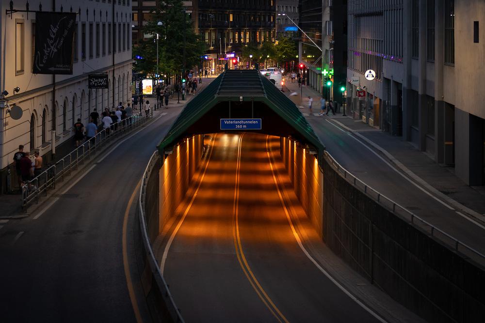 Vaterlandstunnelen er en ettløpstunnel mellom rundkjøringen ved Schweigaards gate og dagsonen ved Deichmanske/Regjerinsgbygget.