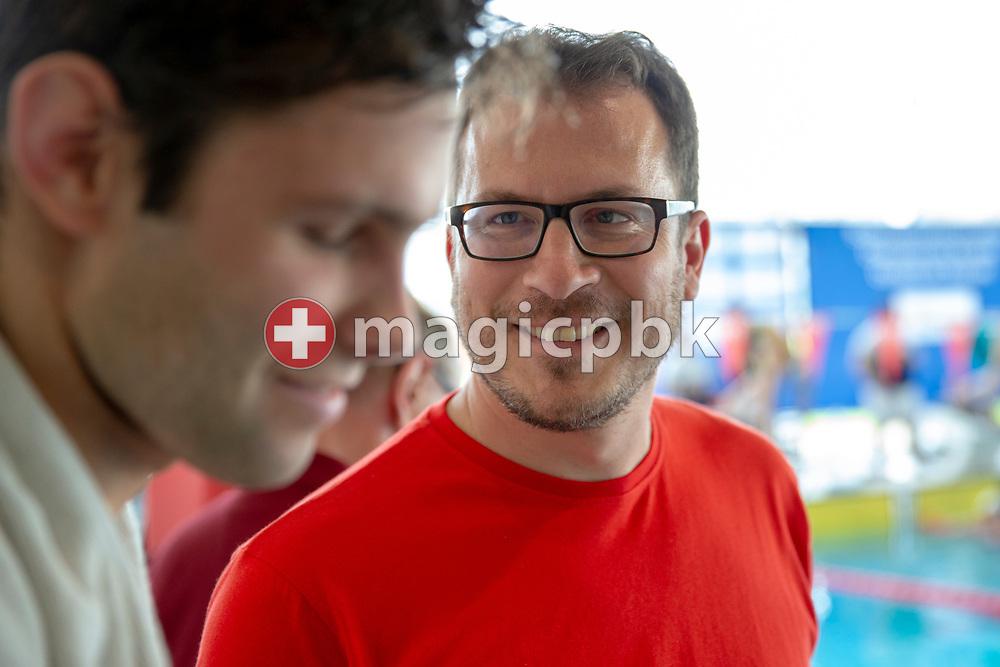 Coach Paul (Pablo) KUTSCHER of Uruguay talks to his swimmer during the NLA Swiss Short Course Swimming Team Championships in Uster, Switzerland, Sunday, April 15, 2018. (Photo by Patrick B. Kraemer / MAGICPBK)