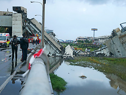August 14, 2018 - Genoa, Italy - A highway bridge  has partially collapsed, prompting fears of injuries and deaths. (Credit Image: © Arata/Fotogramma/Ropi via ZUMA Press)