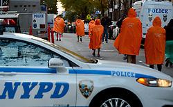 03-11-2013 ALGEMEEN: BVDGF NY MARATHON: NEW YORK <br /> De NY marathon werd weer een groot succes voor de BvdGf. Alle lopers hebben met prachtige tijden de finish gehaald / item atletiek marathon USA police politie NYPD regencapes<br /> ©2013-FotoHoogendoorn.nl