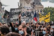 Parijs, Frankrijk, 13/06/20 | Thousands gathered on Place de la Republique during a Black Lives Matter protest in Paris.